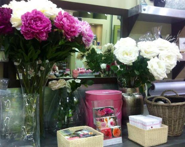 Bouquet de roses mazarinette - Au nom de la rose fleuriste ...